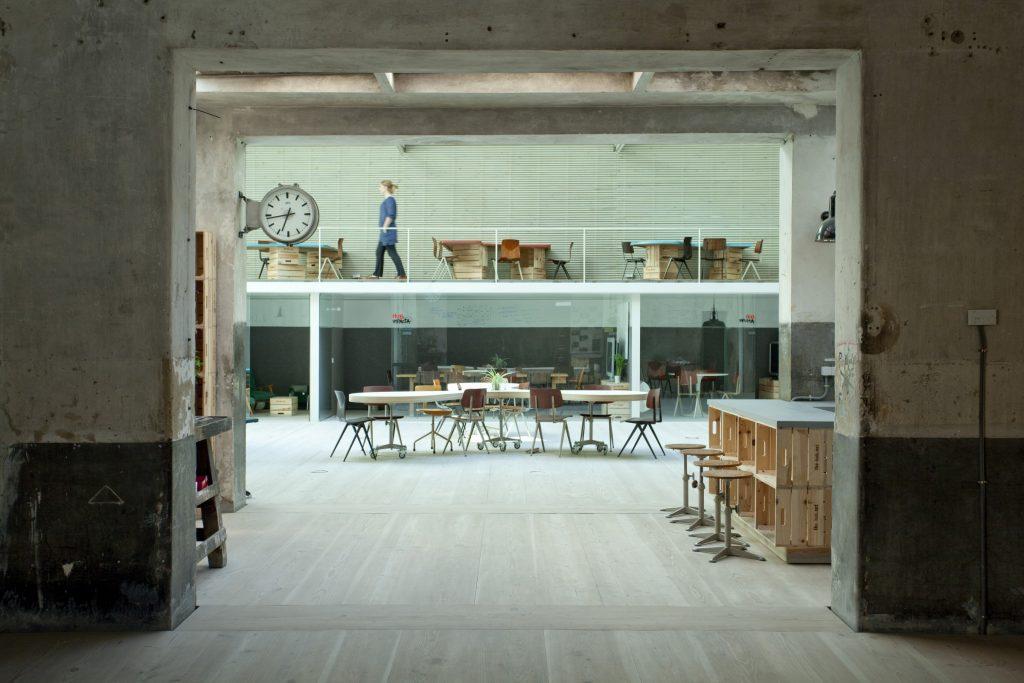 El espacio Garaje Industrial para emprendedores, empresas y startups en el corazón de Madrid,es ideal para fomentar el optimismo y la fuerza de los emprendedores.