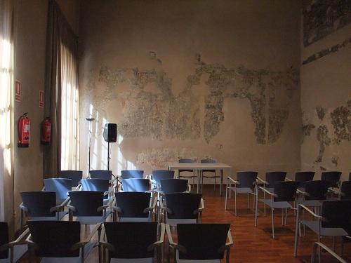 Antiguo  palacio en  la muralla