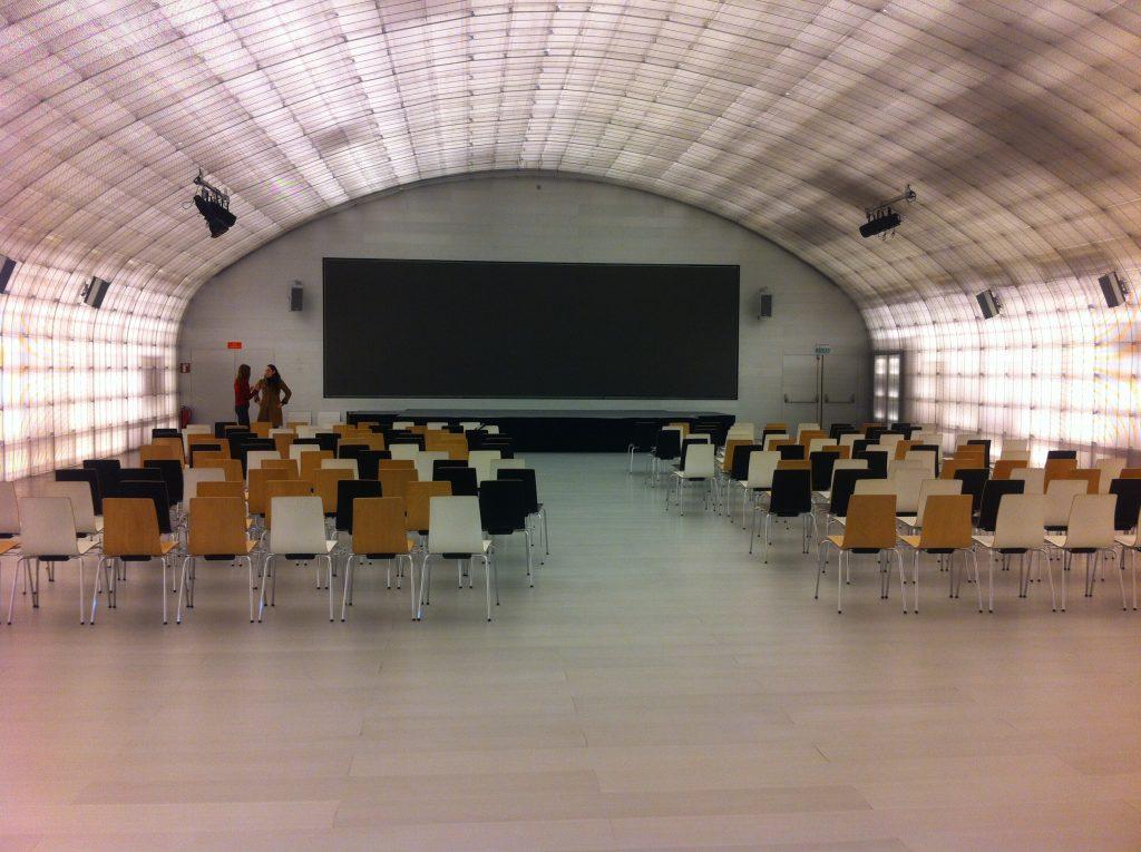 Alquiler del auditorio de la Casa del Lector en Madrid para realizar eventos con capacidad para 300 personas.