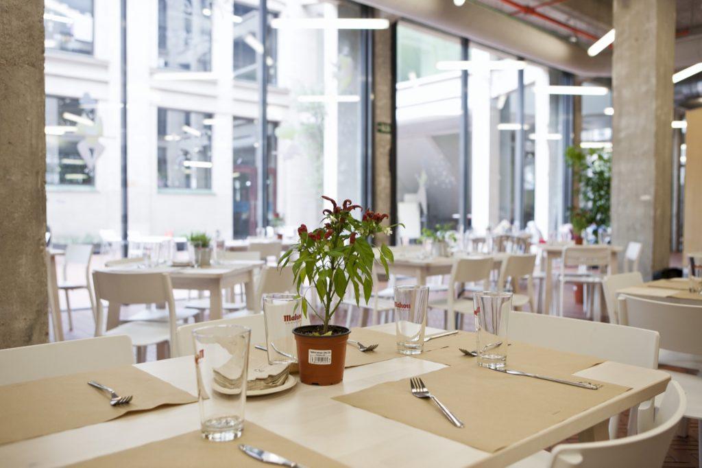Alquilar restaurante situado en pleno centro de Madrid para reuniones y proyecciones