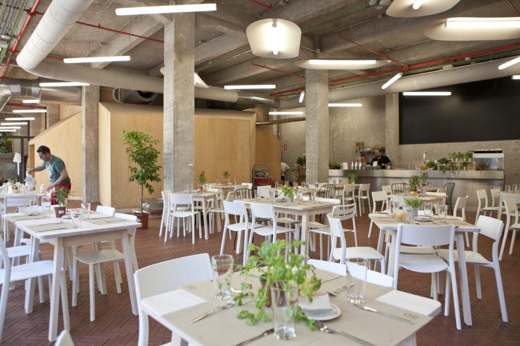 Espacio de alqiler de salas de reuniones, ruedas de prensa y salones para presentaciones de hasta 100 personas en Madrid