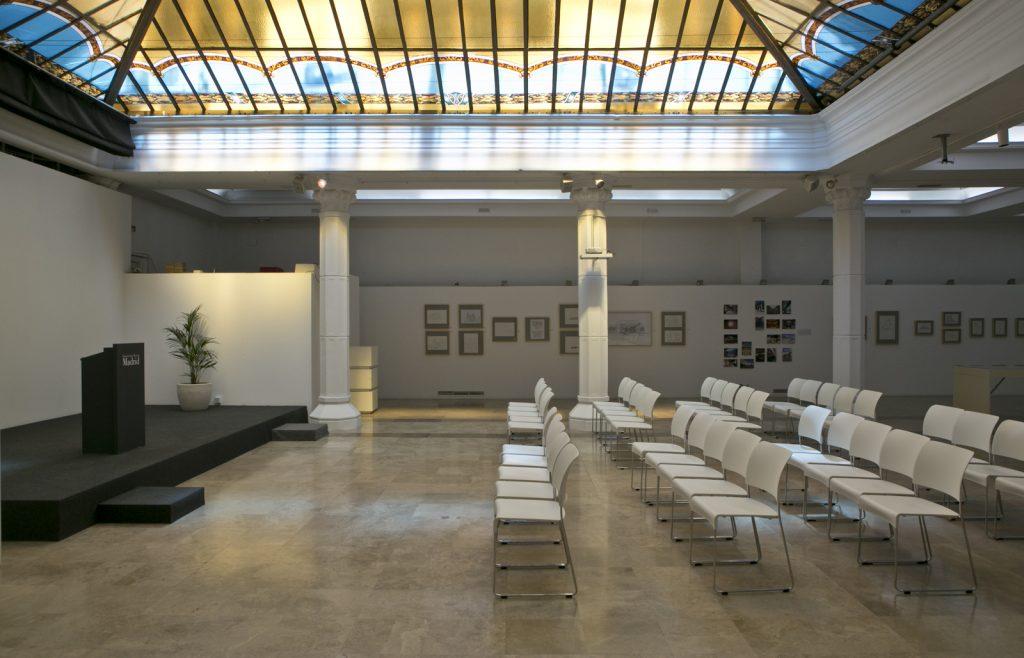 Alquiler del espacio Diario Madrid, cuenta con equipamiento audiovisual y mobiliario para presentaciones de todo tipo