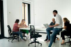Alquiler de despachos LOOM Huertas en el centro de Madrid para reuniones, pop-ups y presentaciones de producto