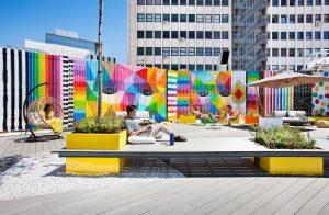 Terraza LOOM Princesa en el centro de Madrid con estilo street art para alquilar, es ideal para coworking
